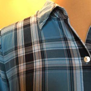 J. Jill Long Sleeve Button Front Shirt. Size M